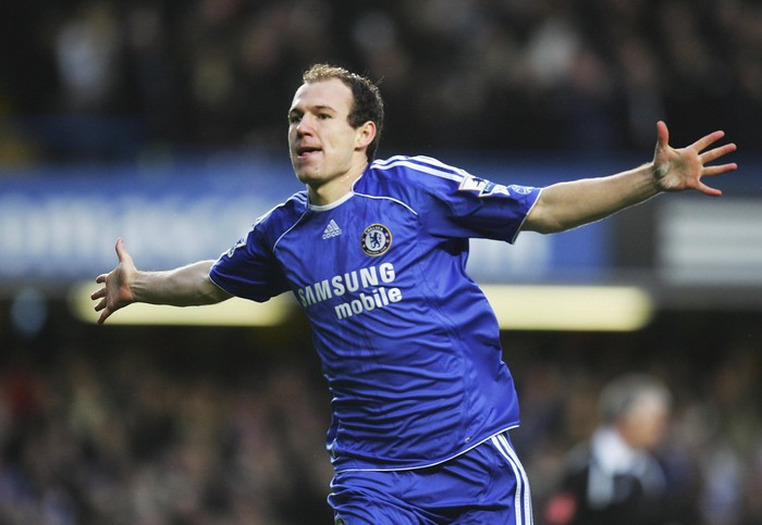 LONDON - FEBRUARY 10:  Arjen Robben of Chelsea celebrates as his shot deflects off of Abel Xavier of Middlesbrough for their second goal during the Barclays Premiership match between Chelsea and Middlesbrough at Stamford Bridge on February 10, 2007 in London, England.  (Photo by Paul Gilham/Getty Images)