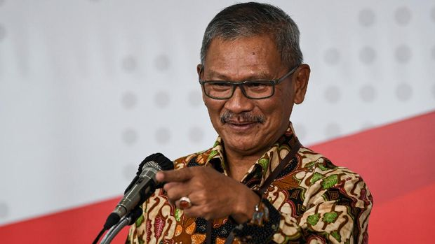 Juru Bicara Pemerintah untuk Penanganan COVID-19 Achmad Yurianto menyampaikan keterangan pers di Graha BNPB, Jakarta, Jumat (27/3/2020). Berdasarkan data hingga Jumat (27/3/2020) pukul 12.00, jumlah kasus positif COVID-19 mencapai 1.046 orang di 27 provinsi se-Indonesia  dengan jumlah pasien sembuh mencapai 46 orang dan  meninggal dunia mencapai 87 orang.  ANTARA FOTO/Nova Wahyudi/nz