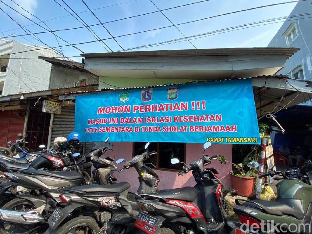 150 ODP Diisolasi di Masjid Jakbar, Diminta Jaga Jarak Saat Salat
