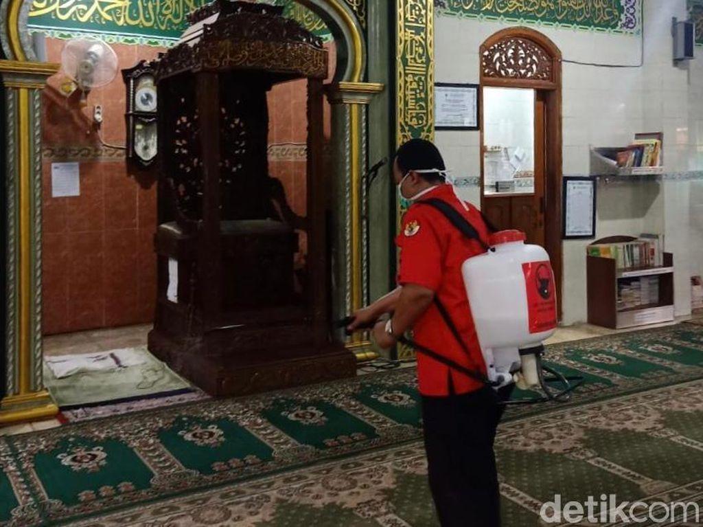 Balai Pertemuan dan Tempat Ibadah jadi Fokus Penyemprotan Disinfektan