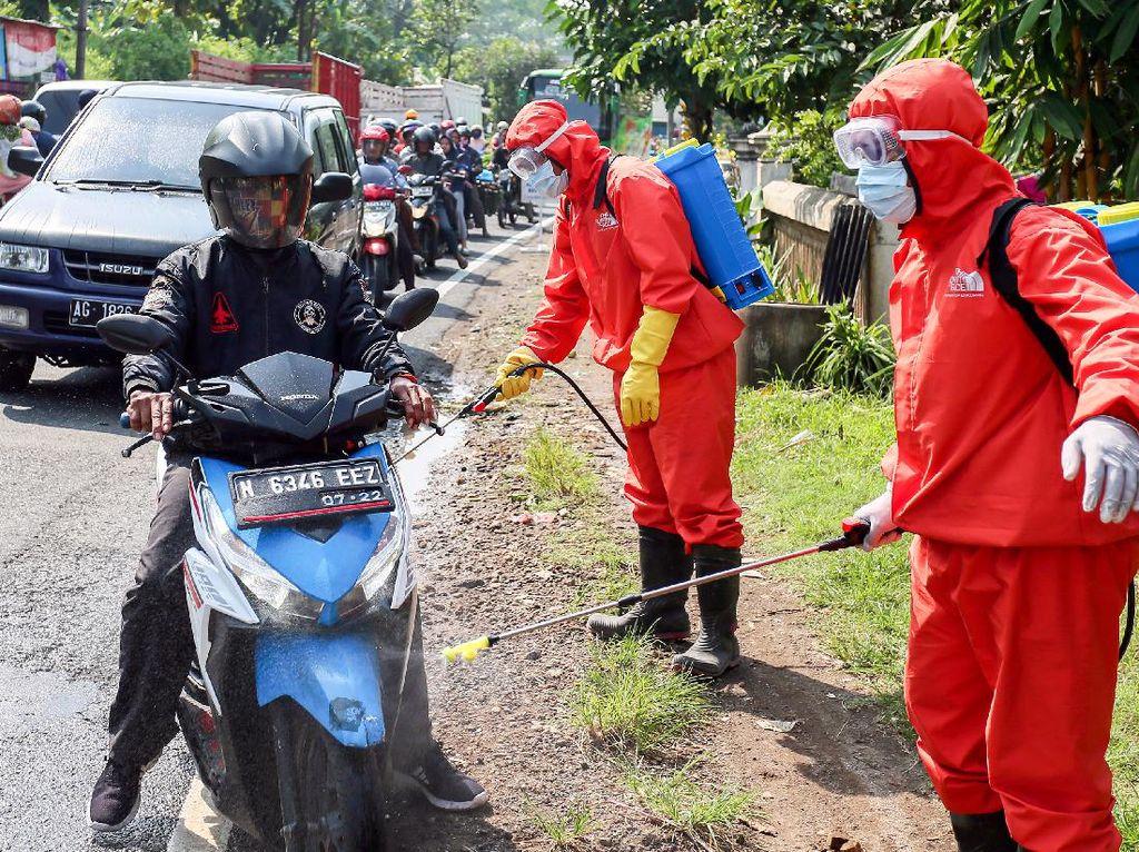 Penyekatan dan Pembatasan Kendaraan di Blitar
