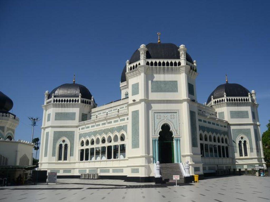 Wisata Religi Juga Bisa di Medan