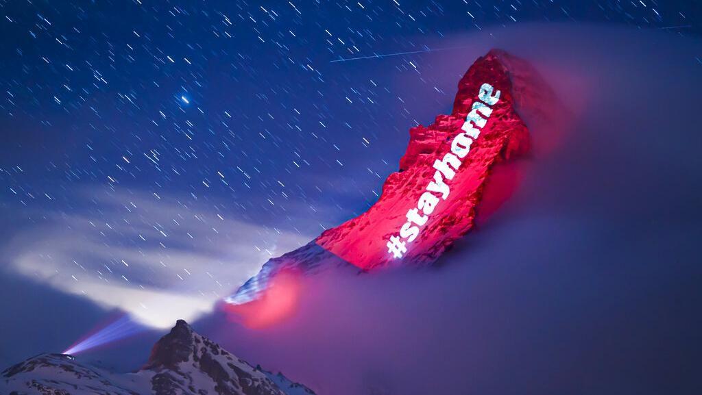 Pesan Harapan Pandemi Corona di Gunung Matterhorn Swiss
