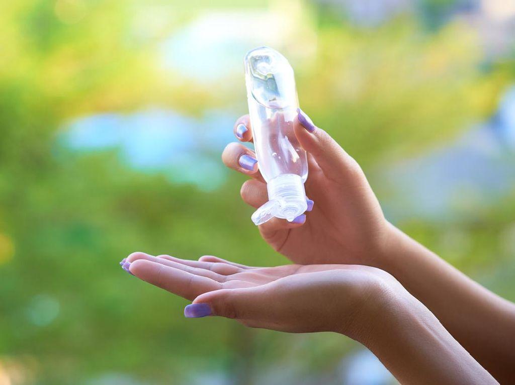 Traveler Boleh Bawa Hand Sanitizer Botol Besar ke Pesawat