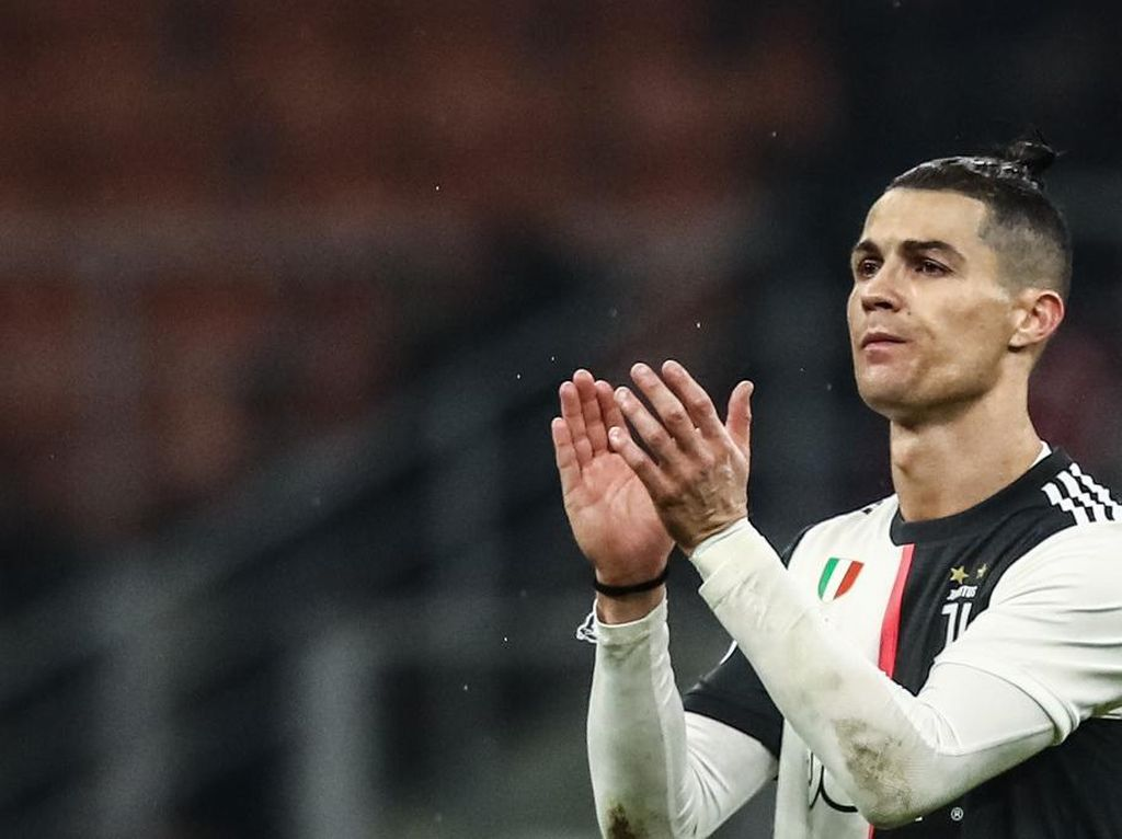 Dear Ronaldo, Masih Kepikiran Pensiun di MLS?