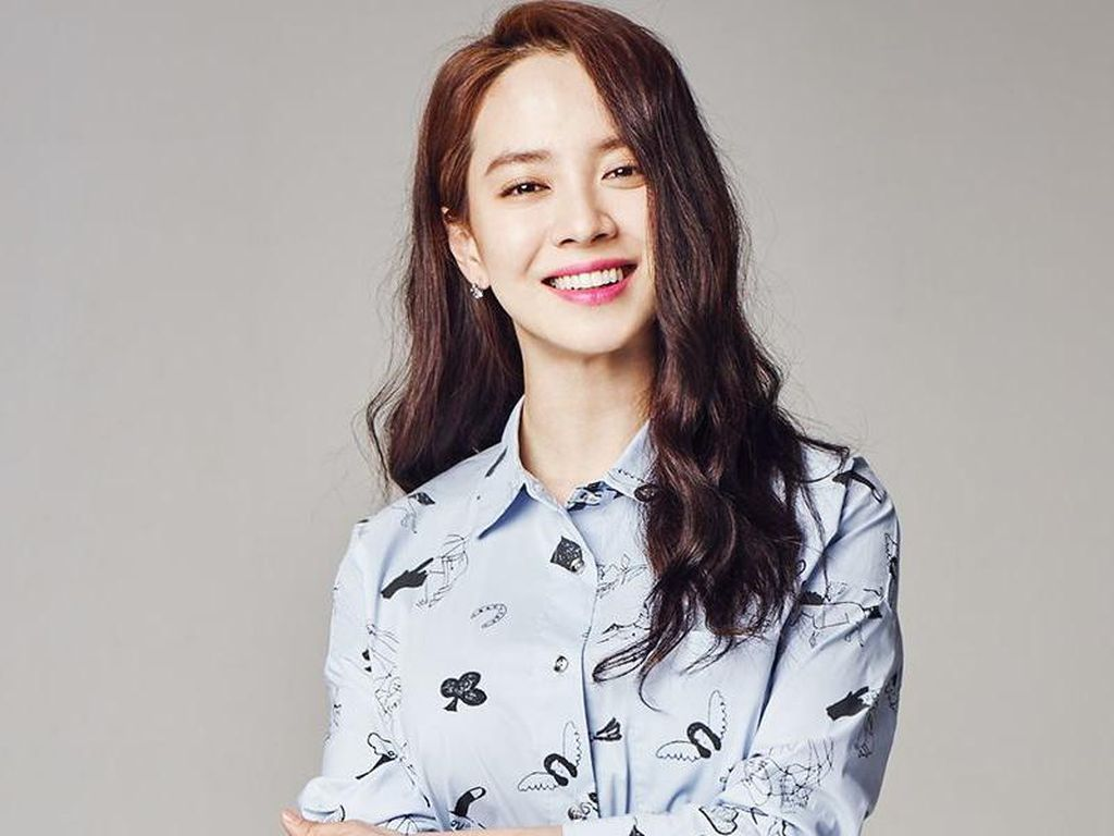 Song Ji Hyo Jadi Rebutan 4 Cowok di Did We Love?