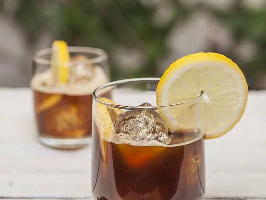 Kopi Campur Lemon, Minuman Sensasional yang Kaya Khasiat
