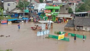 Underpass Padalarang dan Permukiman Warga Tergenang Banjir 1 Meter