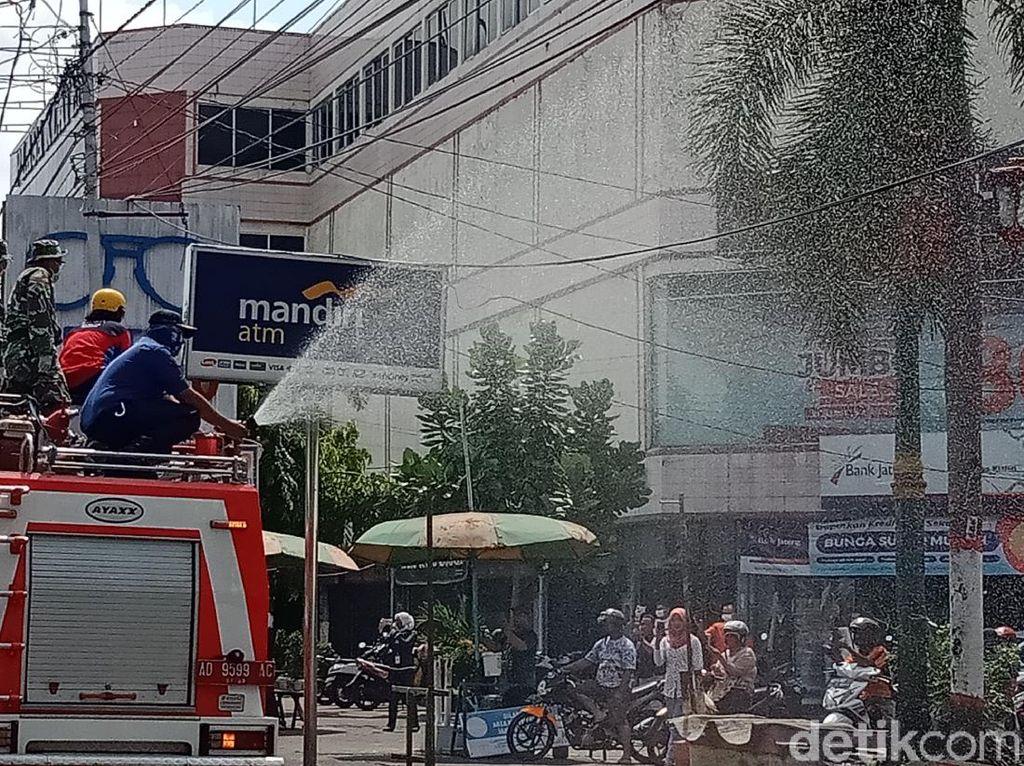 Hampir 10.000 Pemudik Masuk Klaten, Jalanan Disemprot Disinfektan