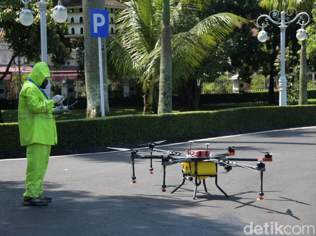 Lawan Corona, Pemprov Jabar Siapkan Drone Disinfektan