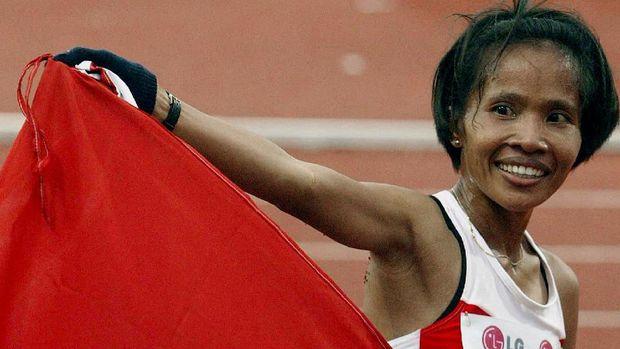 Supriati Sutono jadi ratu lari 5.000 meter.