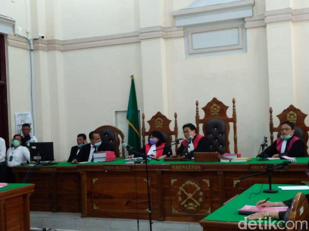 Zuraida Hanum dkk Didakwa Pembunuhan Berencana Terhadap Hakim Jamaluddin