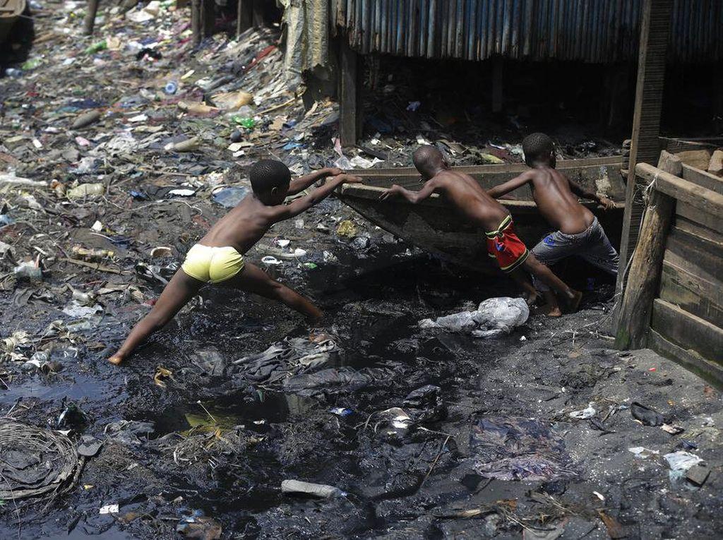 Hantu Pengangguran dan Kemiskinan Bayangi Ekonomi RI