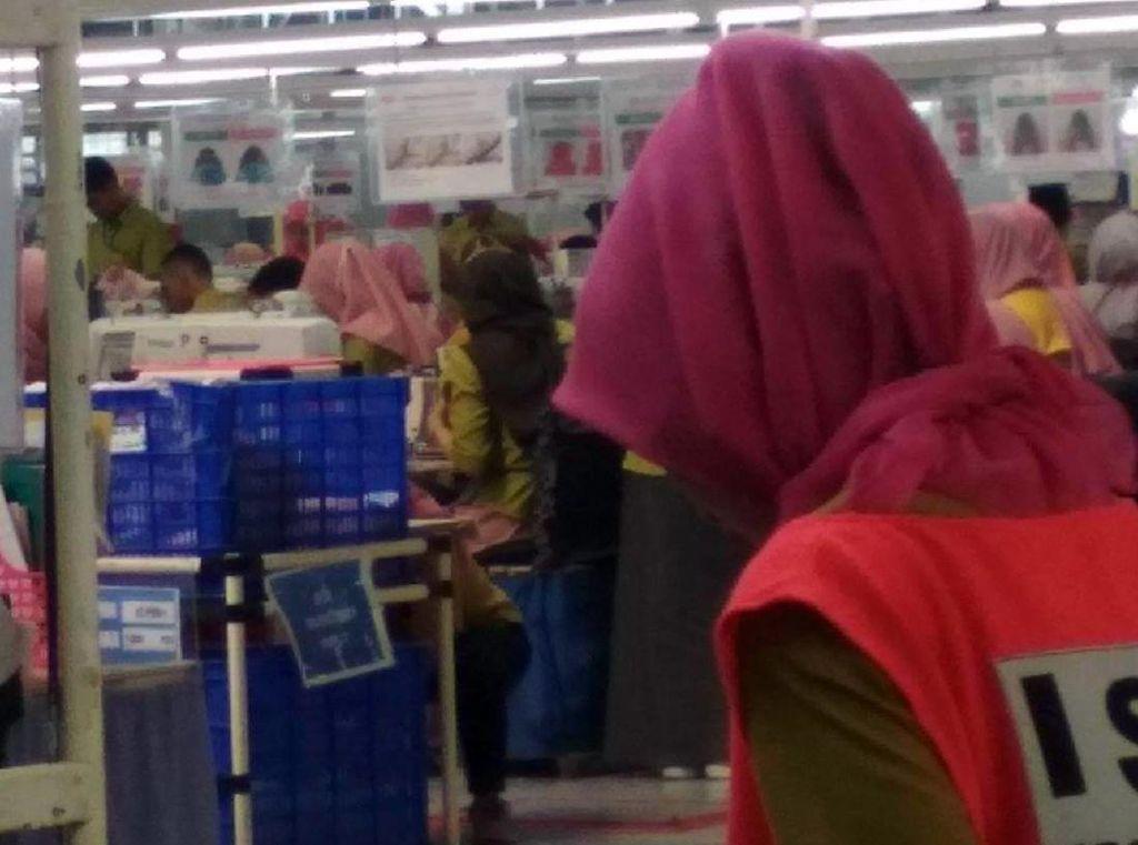 Curhat Buruh Pabrik di Sukabumi yang Masih Bekerja Saat Corona Mewabah
