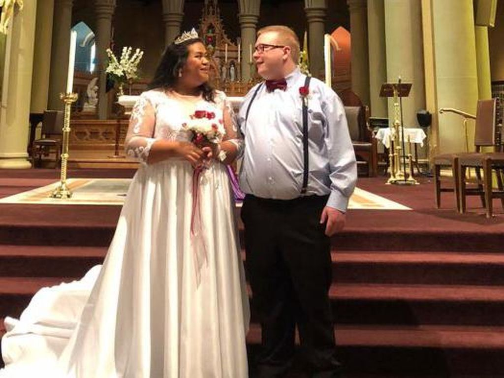 Devina Asal Indonesia Menikah di Australia dengan Hanya Dihadiri 3 Orang