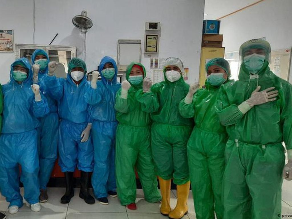 APD Langka Picu Kreativitas Rumah Sakit Tangani COVID-19
