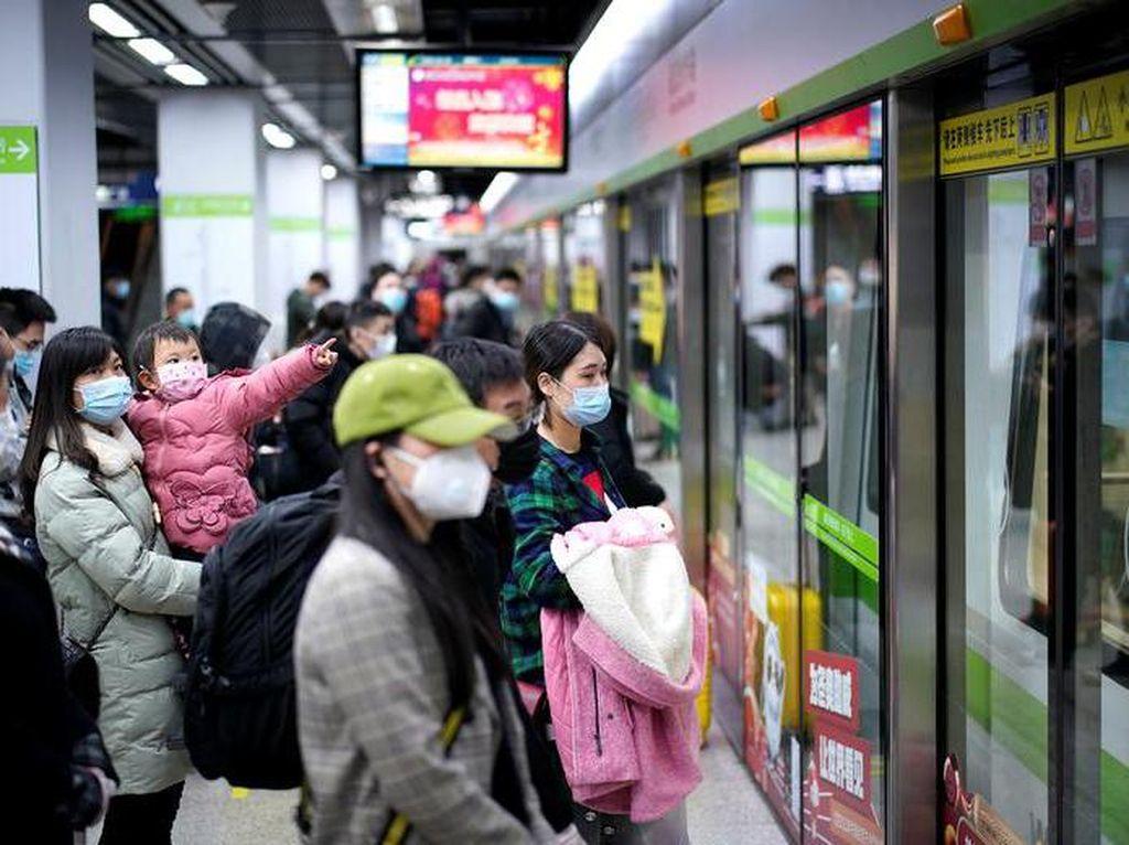 Ribuan Orang Tinggalkan Wuhan Selepas Lockdown Tak Diberlakukan
