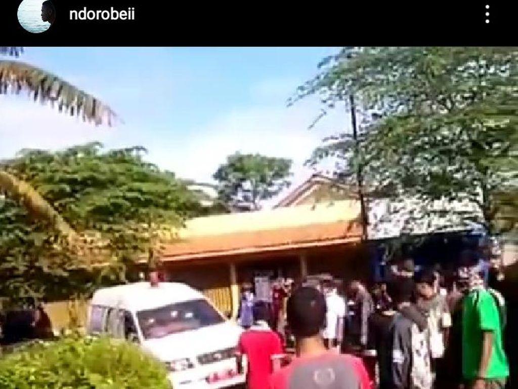 Jerat Hukum Pelempar Bambu ke Ambulans Jenazah Corona di Banyumas