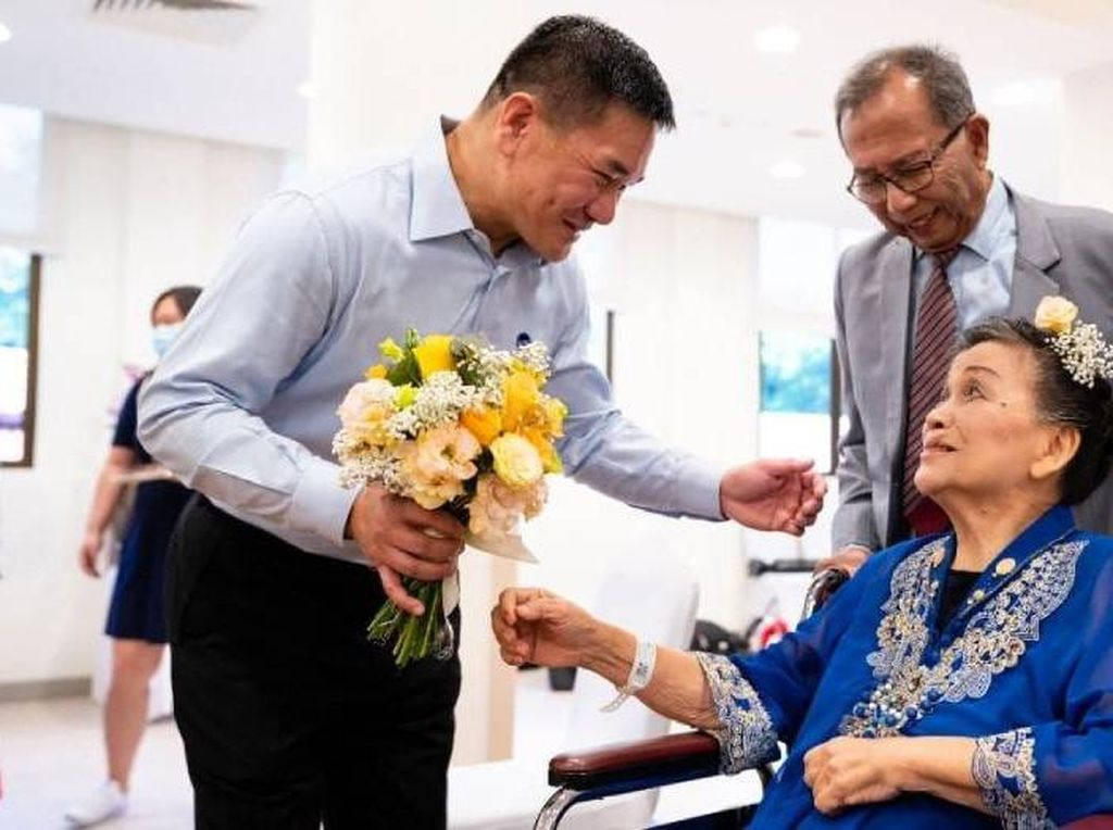 Kisah Haru Pasangan Menikah di RS di Tengah Corona, Mempelai Wanita Stroke