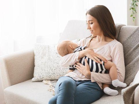 Apakah ASI Bisa Lindungi Bayi dari Virus Corona?