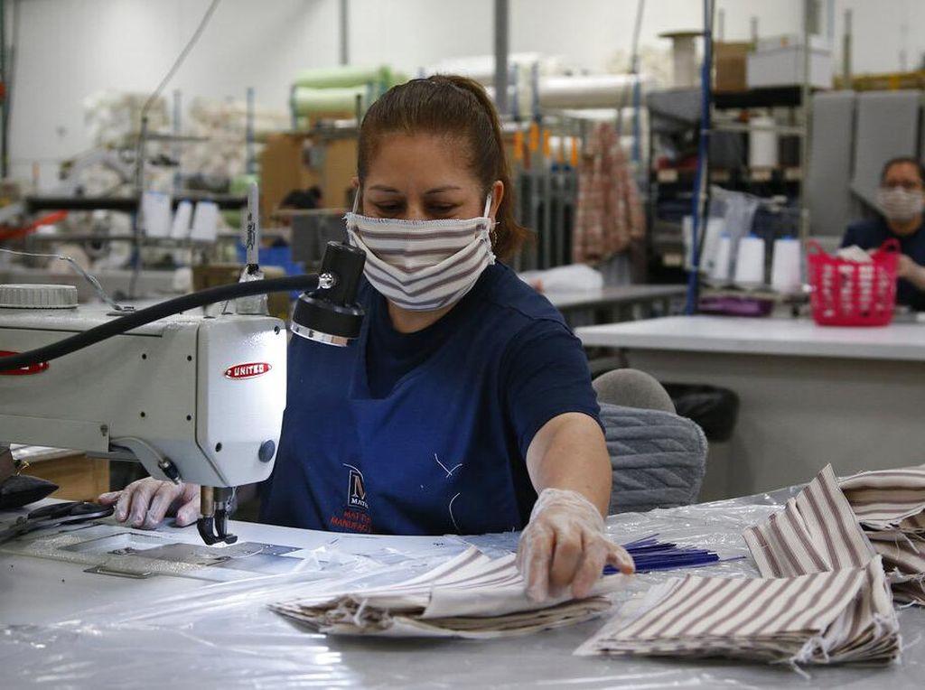 Seberapa Sering Harus Cuci Masker Kain Setelah Dipakai? Ini Saran Pakar