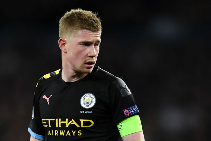 MADRID, SPAIN - FEBRUARY 26: Kevin De Bruyne of Manchester City FC looks on during the UEFA Champions League round of 16 first leg match between Real Madrid and Manchester City at Bernabeu on February 26, 2020 in Madrid, Spain. (Photo by David Ramos/Getty Images)
