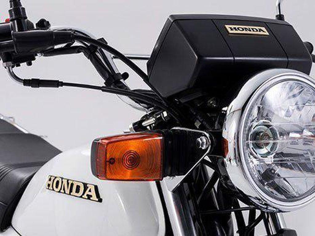 Melihat Lebih Dekat Naked Bike Jadul Honda yang Masih Diproduksi
