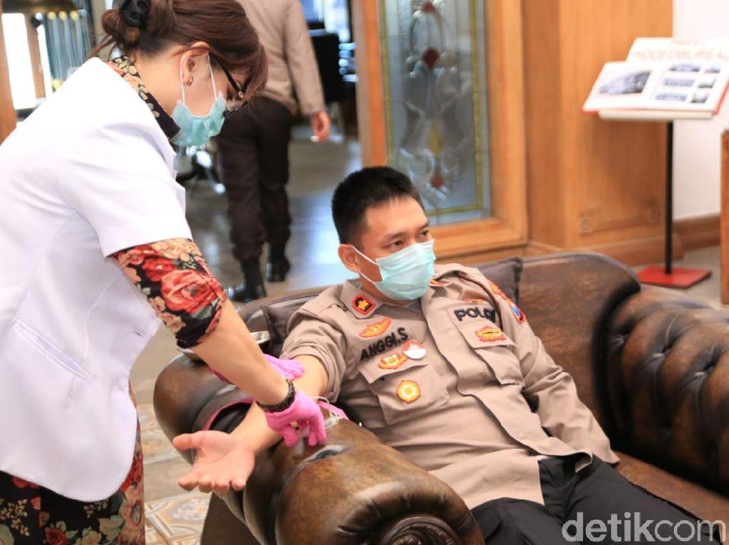 Puluhan Kapolsek di Surabaya Ikut Rapid Test, Semua Negatif Corona