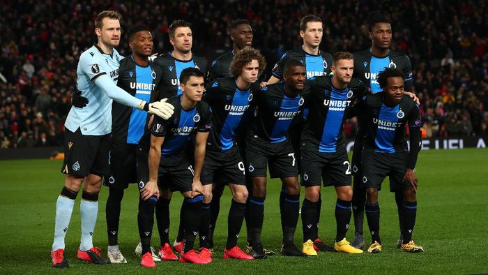 MANCHESTER, ENGLAND - FEBRUARY 27: Players of Club Brugge pose for a team photo prior to the UEFA Europa League round of 32 second leg match between Manchester United and Club Brugge at Old Trafford on February 27, 2020 in Manchester, United Kingdom. (Photo by Clive Brunskill/Getty Images)