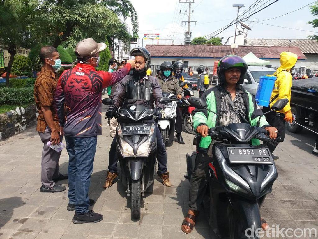 Tarik Ulur Penerapan Pembatasan Sosial Berskala Besar di Surabaya