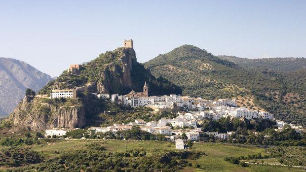 Usaha 'Kota Lansia' di Bukit Spanyol Hadapi Gempuran Corona