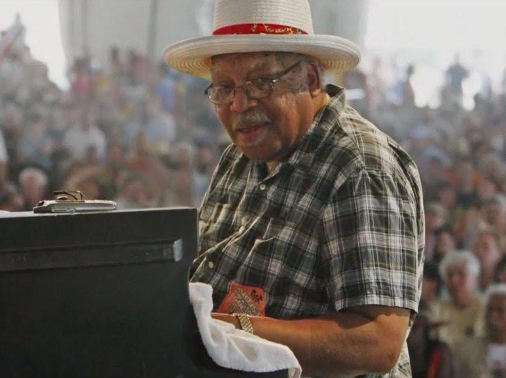 Keluarga Benarkan Musisi Jazz Ellis Marsali Meninggal Dunia karena Corona