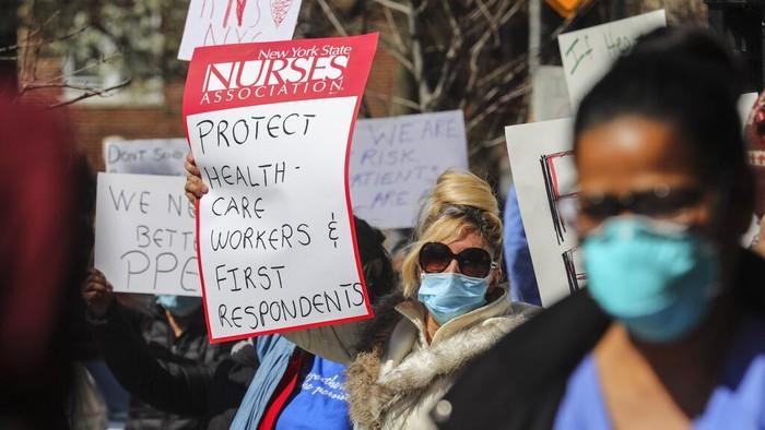 perawat-new-york-protes-turun-ke-jalan-gegara-hadapi-corona-tanpa-39persenjataan39