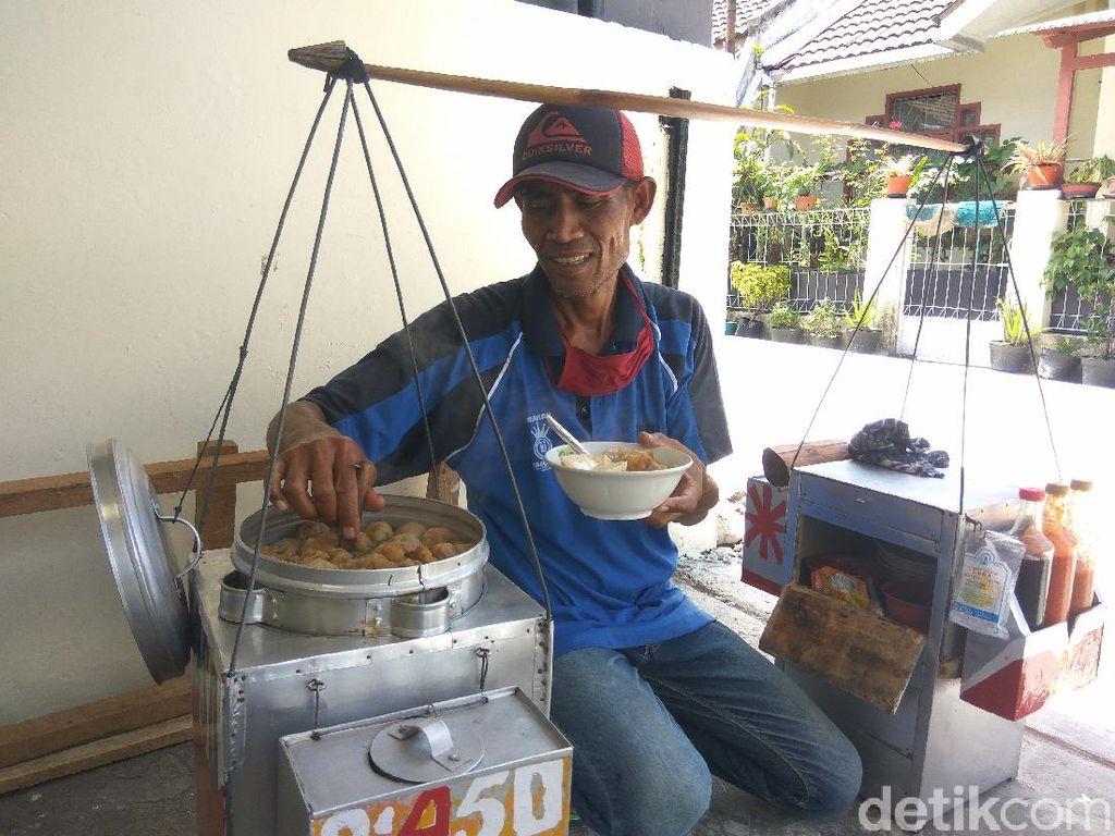 Curhat Pedagang Cuanki di Cimahi yang Terkena Imbas Wabah Corona