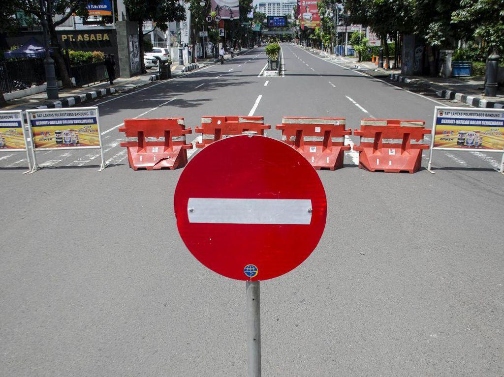 Penutupan Jalan Cegah Penyebaran COVID-19 di Bandung Masih Berlaku