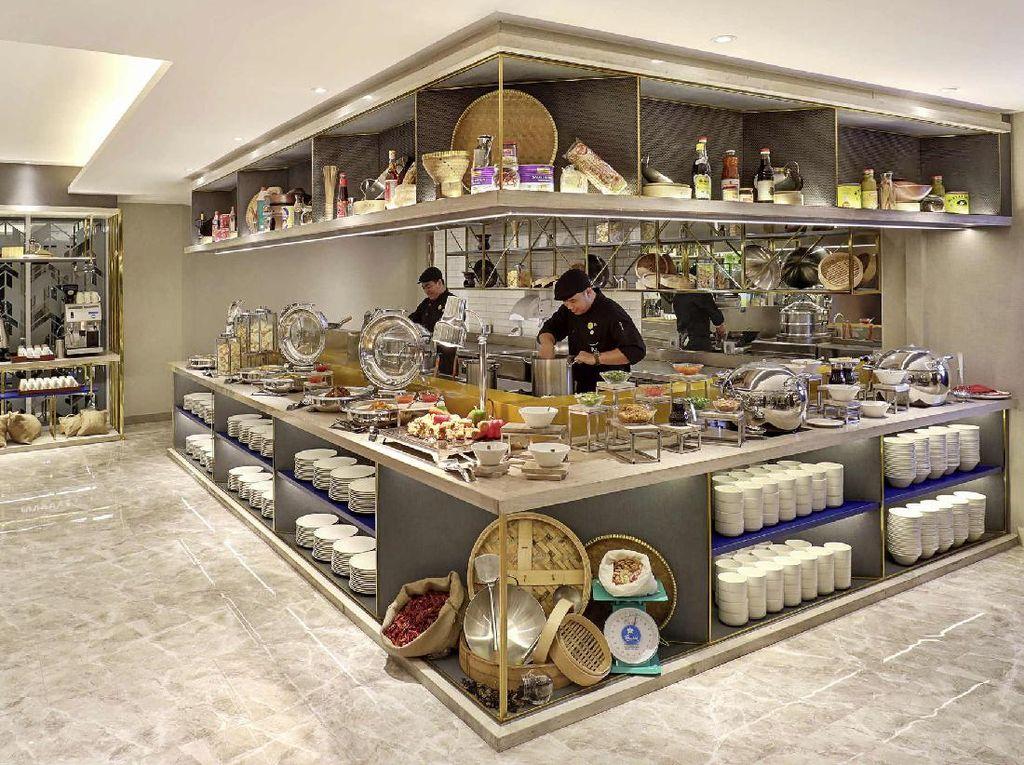 Pekerja Hotel dan Restoran Kursus Bahasa Lewat Startup Cakap