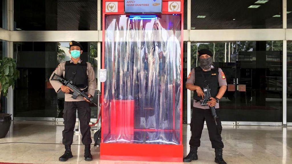Potret Beberapa Instansi Negara yang Pakai Bilik Disinfektan