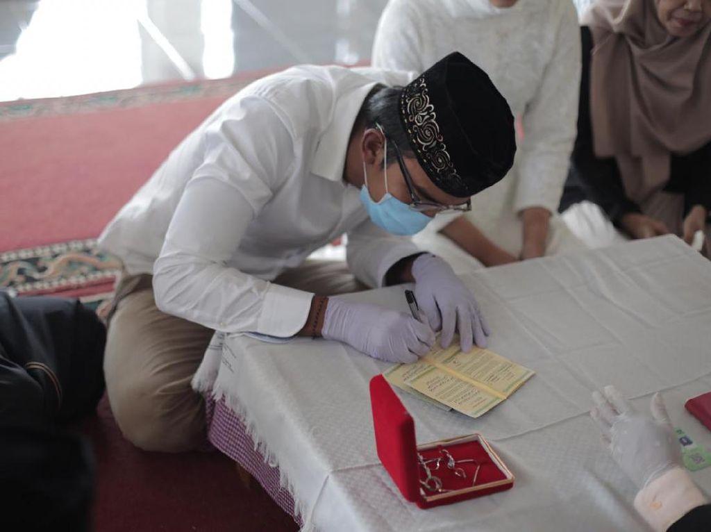 Perenang Nasional Menikah di Tengah Wabah Corona, Resepsi Ditunda