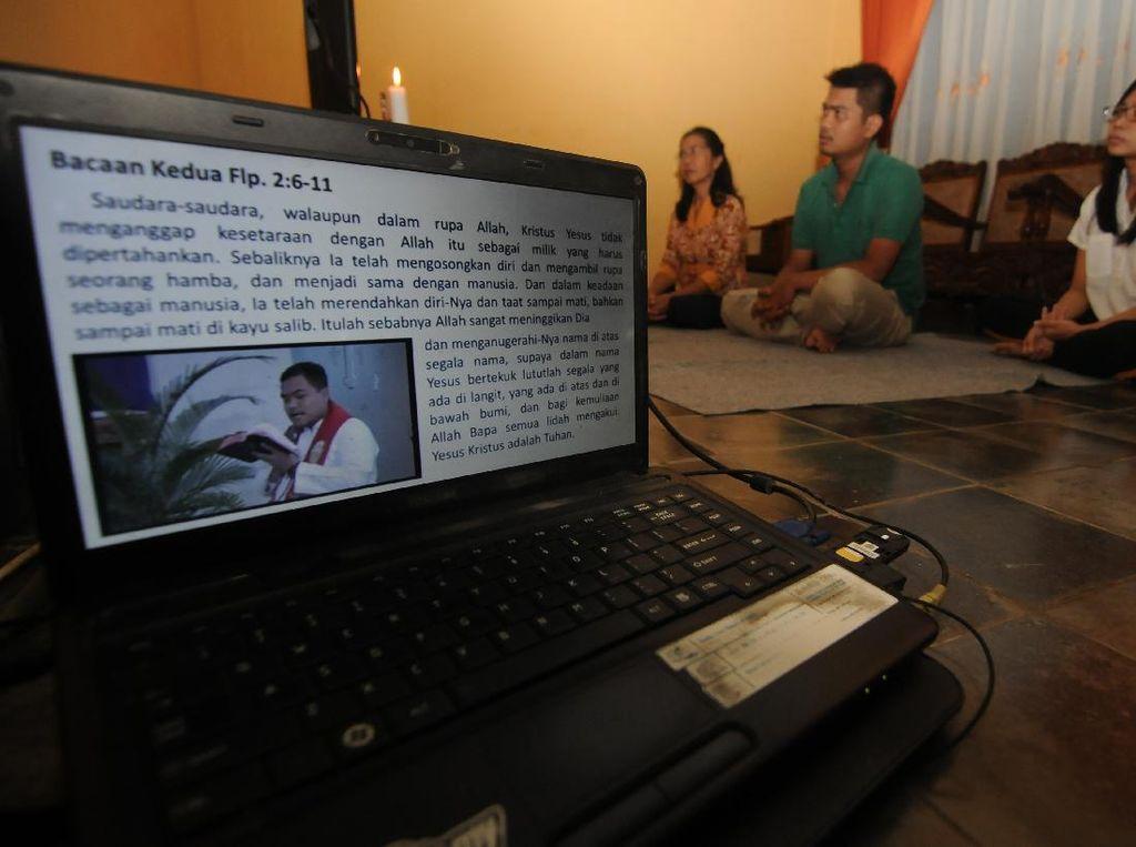 Ada Wabah Corona, Misa Minggu Palma dilakukan Online