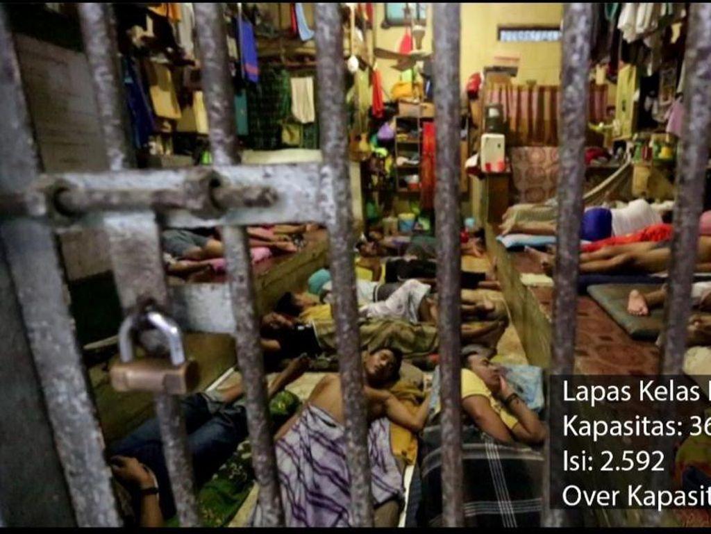 Tepis Bebaskan Koruptor Via Isu Corona, Yasonna Jelaskan Overkapasitas
