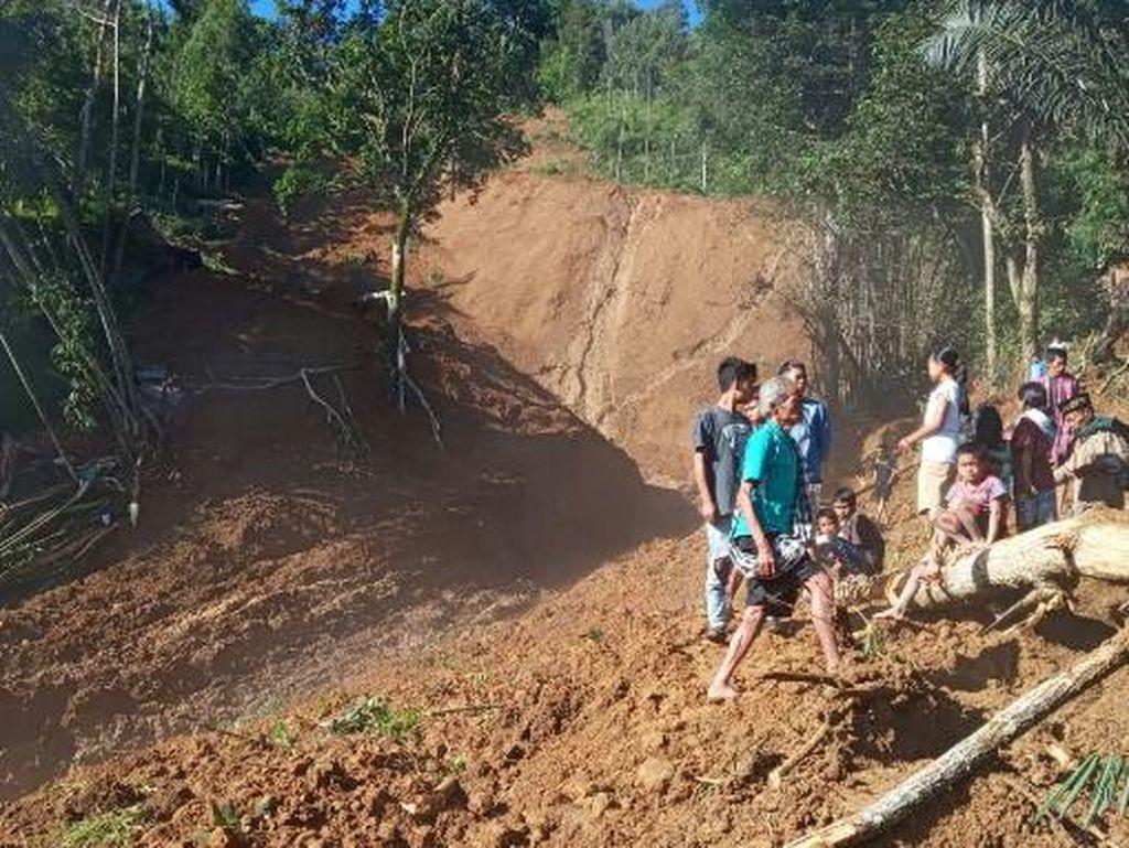 Satu Keluarga Tewas Tertimbun Tanah Longsor Di Tana Toraja Sulsel