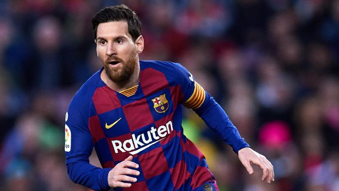 BARCELONA, SPAIN - MARCH 07: Lionel Messi of FC Barcelona runs during the Liga match between FC Barcelona and Real Sociedad at Camp Nou on March 07, 2020 in Barcelona, Spain. (Photo by Alex Caparros/Getty Images)