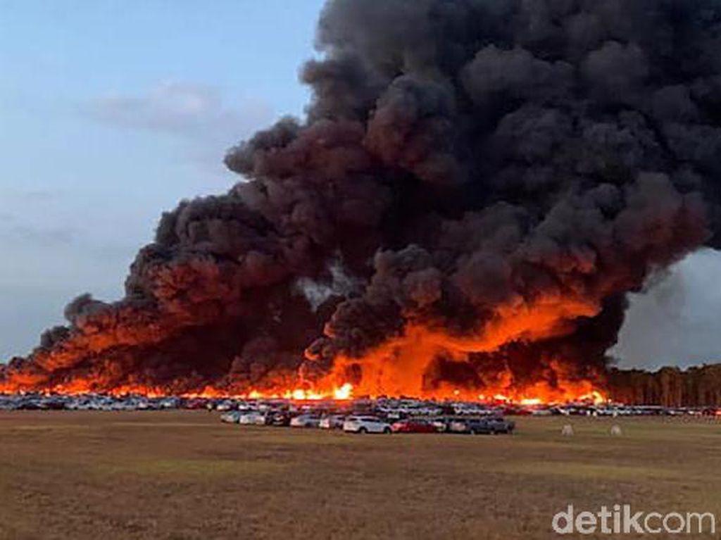Kebakaran di Bandara Florida, 3.500 Mobil Sewaan Hangus