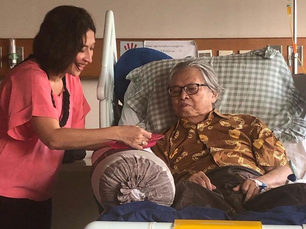 Ayah Shelomita Sempat Idap Kanker Prostat Sebelum Meninggal Dunia