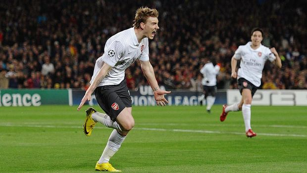 BARCELONA, SPAIN - APRIL 06:  Nicklas Bendtner of Arsenal celebrates scoring the opening goal during the UEFA Champions League quarter final second leg match between Barcelona and Arsenal at Camp Nou on April 6, 2010 in Barcelona, Spain.  (Photo by Jasper Juinen/Getty Images)