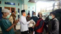 Bagi Masker Kain ke Warga, Gubernur Riau: Bisa Dicuci Usai Dipakai