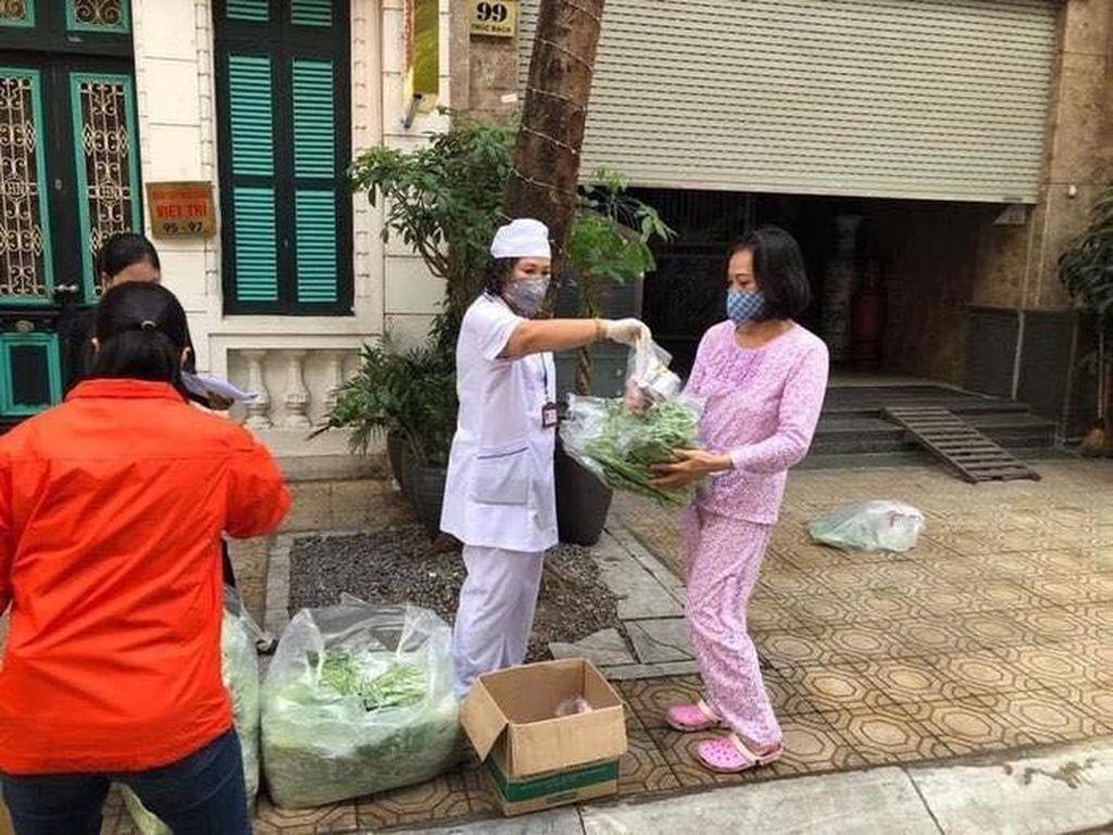 Mulia! Ini 5 Kisah Pembagian Makanan Gratis Saat Pandemi Corona