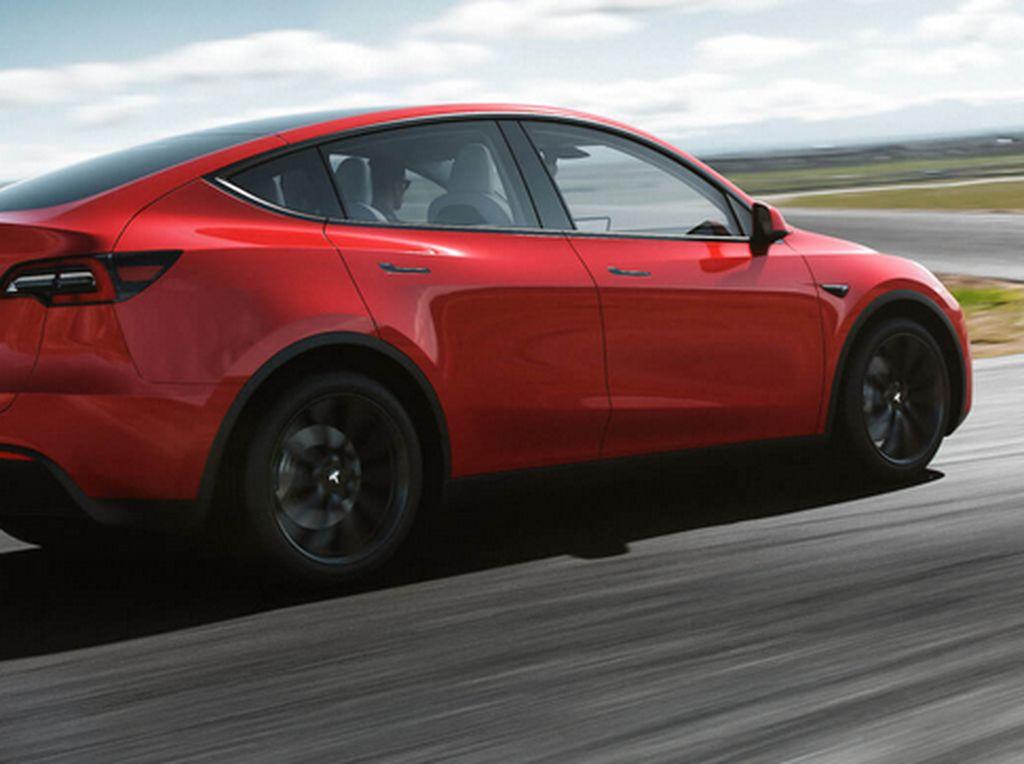 Tesla Recall Mobil Listrik, Ada Masalah di Sabuk Pengaman