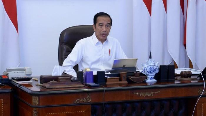 Presiden Jokowi menerima laporan gugus tugas penanganan COVID-19