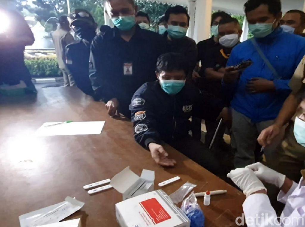 Masuk Kategori ODR, Puluhan Wartawan di Sukabumi Jalani Rapid Test